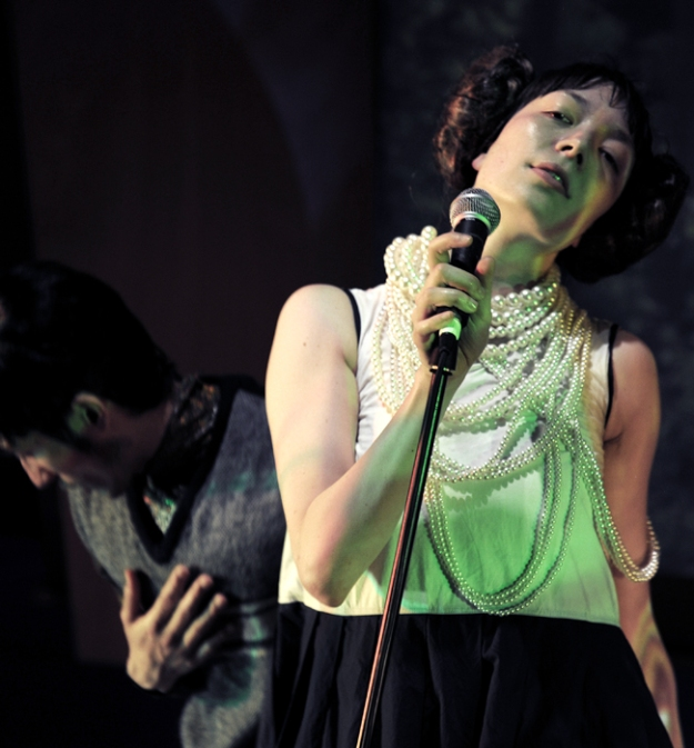 photo : Sofie Knijff performers : Tashi Iwaoka and Keyna Nara